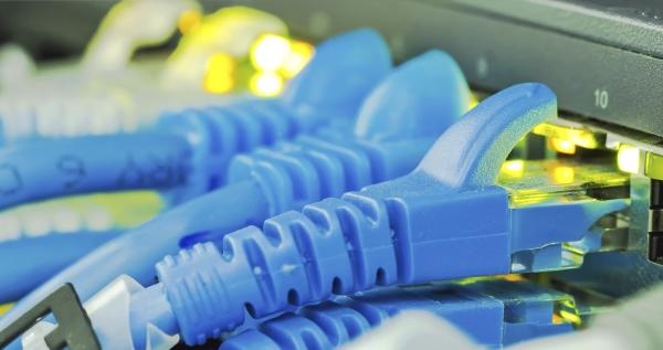 Apsurd je da je jeftinije zvati iz roaminga nego strani broj od doma