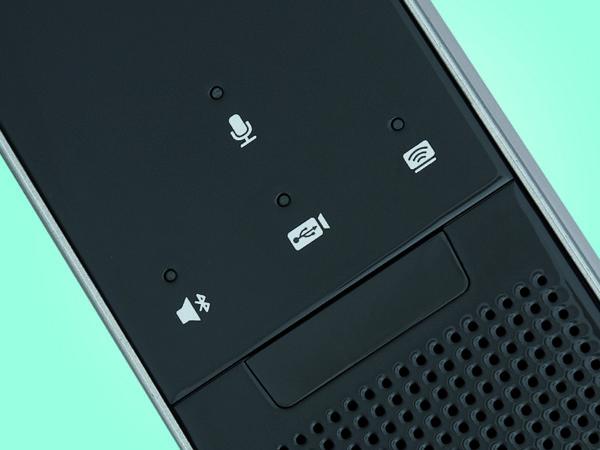 Pomoću senzorskih kontrola na prednjoj strani sustava možemo deaktivirati mikrofon, aktivirati Bluetooth te odabrati videokonferencijski ili prezentacijski način rada
