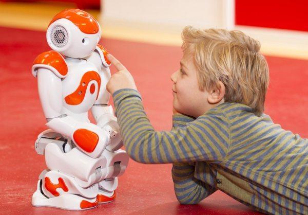 Rezolucija EU parlamenta o etičkim normama robotike i umjetne inteligencije