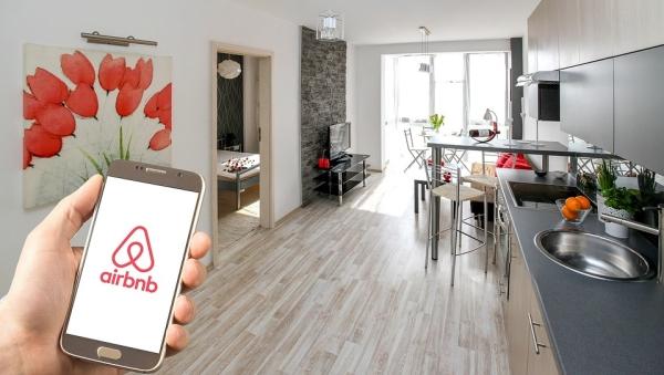 I Airbnb na udaru EK