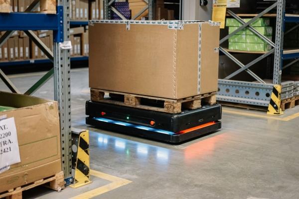 Uvođenja autonomnih mobilnih robota u logističko-distributivnom centru