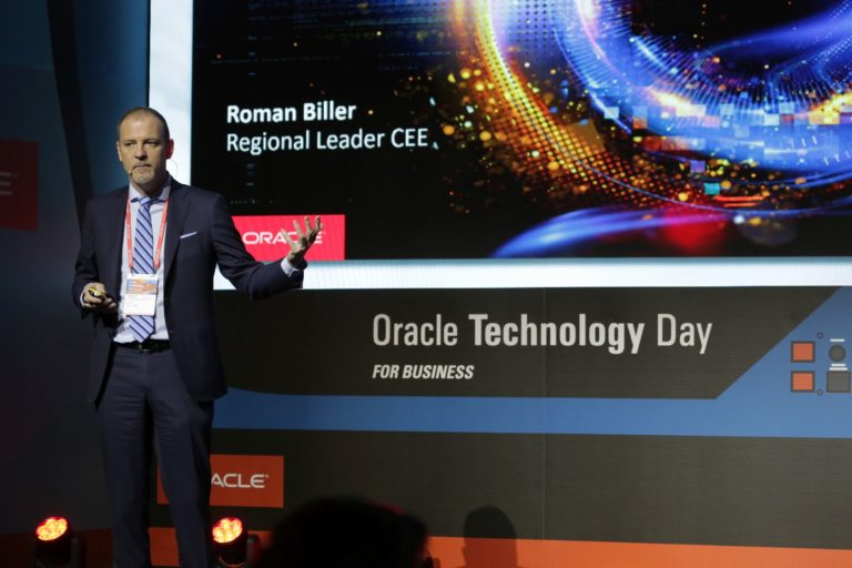 Roman Biller, Oracle