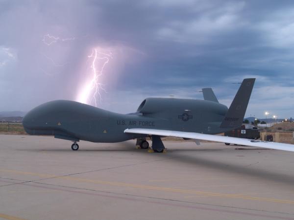 NATO uvodi prve špijunske bespilotne letjelice Global Hawk