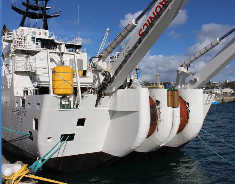 Big tech preuzima i podmorske kabele